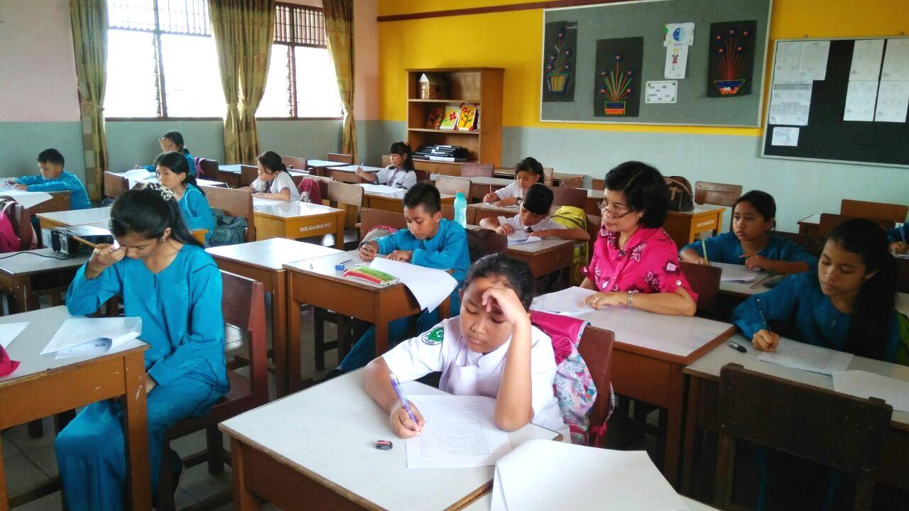 Nilai Jelek di Sekolah Bukan Berarti Anak Tak Pintar